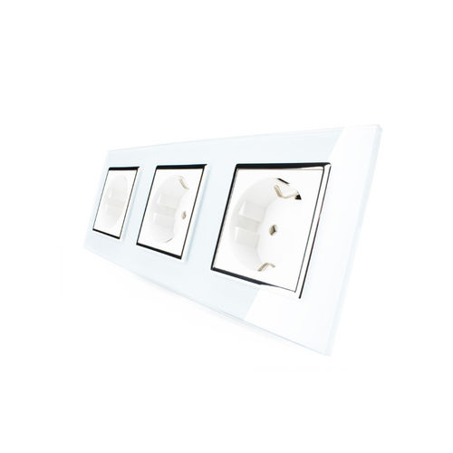 Socket 3 fold with glass cover white